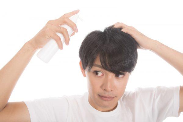 髪がパサパサになるのはどうして? パサパサを改善する方法を解説!