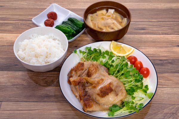 栄養バランスのよい食事の画像