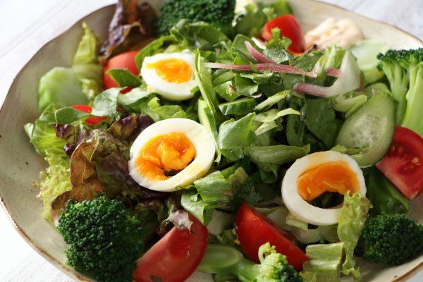 野菜と卵のサラダ